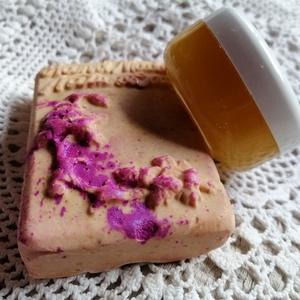 Szemránckrém + szappan sáfrányos szeklicével, Táska, Divat & Szépség, Szépség(ápolás), Krém, szappan, dezodor, Natúrszappan, Kozmetikum, Kozmetikum készítés, Szappankészítés, 1 db 30 ml-es szemránckrém + 1 db  szappan sáfrányos szeklicével. \n\nA sáfrányos szeklice olaj megaka..., Meska