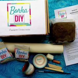 DIY csomag- Agyagozás, Egyéb, Csináld magad leírások, Gyerek & játék, Játék, Készségfejlesztő játék, Mindenmás, Kerámia, Otthoni agyagozáshoz készült a csomag. Gyerekeknek, felnőtteknek egyaránt használható. 5 éves kortól..., Meska