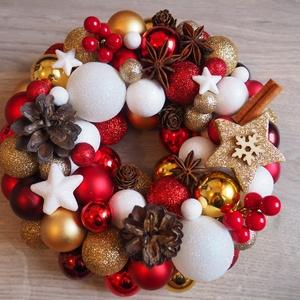 Karácsonyi kopogtató (arany-piros), Karácsony & Mikulás, Karácsonyi kopogtató, Mindenmás, Arany-piros színekben készült karácsonyi kopogtató. Átmérője kb 20 cm.\n\nEgyeztetés után budapesti sz..., Meska