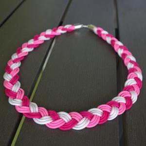 Pink - magenta - fehér fonott paracord nyaklánc, Ékszer, Nyaklánc, Medál nélküli nyaklánc, Ékszerkészítés, Kétféle rózsaszínű, pink és magenta színű paracord anyagból készült ez a teljesen körbefont nyaklánc..., Meska