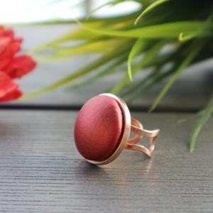 Metál tégla - rosegold nemesacél gyűrű, Ékszer, Gyűrű, Kerek gyűrű, Ékszerkészítés, Különleges hatású, metál tégla színű textilbőr anyag és rosegold színű nemesacél ékszeralap felhaszn..., Meska