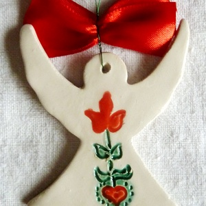 Virágos kerámia angyalka , Karácsony & Mikulás, Karácsonyfadísz, Kerámia, Az angyalkát fehér agyagból készítettem, majd kerámiamázzal díszítettem. Ajánlom szeretettel!\n\nMéret..., Meska