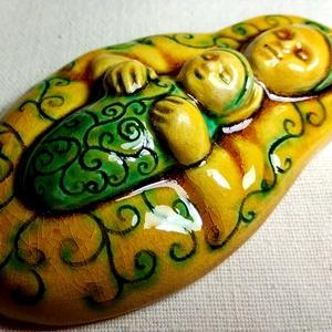 Székelyföldi Babba Mária szobocska, Művészet, Szobor, Kerámia, Kerámia, A kis szobrocskát fehér agyagból készítettem, majd kerámia mázzakkal díszítettem. \nA szobrocskát a s..., Meska