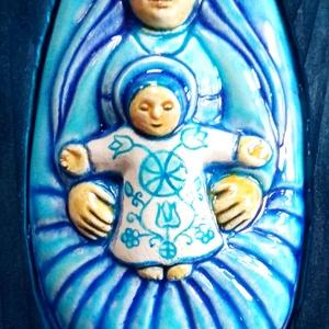 Székelyföldi nagy  Babba Mária, Otthon & Lakás, Spiritualitás & Vallás, Kerámia, A terméket fehér agyagból készítettem, majd  kerámiamázzal díszítettem. A szobrocskát a székelyföldi..., Meska