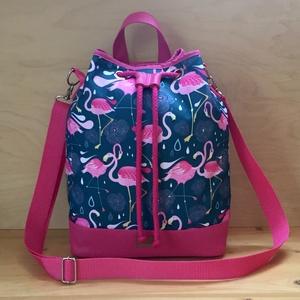 Flamingós 3 az 1-ben vízálló női táska, Táska, Divat & Szépség, Táska, Hátizsák, Válltáska, oldaltáska, Varrás, Kék alapon pink flamingós vízálló designer szövetből és pink műbőrből készült többfunkciós női táska..., Meska