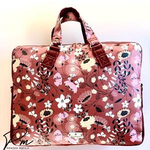 """Bordó virágos """"EDIT"""" textilbőr laptop táska, Laptoptáska, Laptop & Tablettartó, Táska & Tok, Varrás, Bordó virágos designer textilbőrből készült """"EDIT"""" laptop táska. Tetején cipzárral záródik, két cipz..., Meska"""