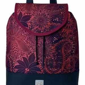 """Burgundi vörös vízálló """"JUDIT"""" hátizsák, Táska & Tok, Hátizsák, Hátizsák, Varrás, Különleges burgundi vörös vízálló designer szövetből és fekete textilbőrből készült női hátizsák. N..., Meska"""