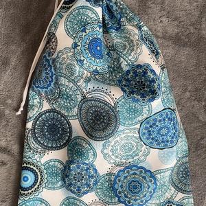 Kék mandalás kenyeres zsák (30x45 cm), Táska & Tok, Bevásárlás & Shopper táska, Kenyeres zsák, Varrás, A tasak egyik oldala pamutvászonból, míg a belső oldala pul anyagból készült, így frissen tartja, am..., Meska