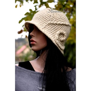 VILMA - extravagáns horgolt cloche kalap (brokat) - Meska.hu