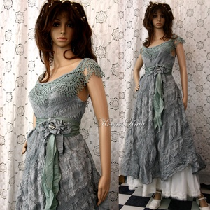ZSÓKA - shabby chic design ruha, Női ruha, Ruha & Divat, Alkalmi ruha & Estélyi ruha, Festett tárgyak, Varrás, A különleges ruhák szerelmeseinek:\nKézzel festett, csíkokban kreppes nyers-vászonból és antik horgol..., Meska