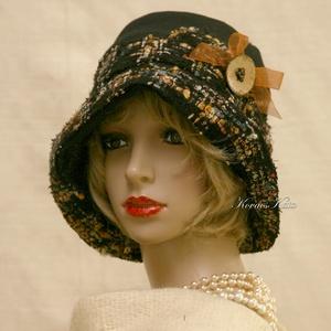 FANNI cloche - exkluzív design kalap, Kalap, Sál, Sapka, Kendő, Ruha & Divat, Varrás, Patchwork, foltvarrás, Különleges kalapom harang-szabása az 1920-as évek flapper divatját idézi.\nEz a forma szinte minden N..., Meska