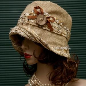 FANNI cloche - rusztikus design kalap, Kalap, Sál, Sapka, Kendő, Ruha & Divat, Varrás, Patchwork, foltvarrás, Különleges kalapom harang-szabása az 1920-as évek flapper divatját idézi.\nEz a forma szinte minden N..., Meska