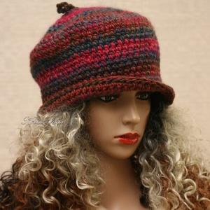 HAGYMÁCSKA - exkluzív horgolt kalap, Ruha & Divat, Sál, Sapka, Kendő, Kalap, Prémium minőségű, márkás, finom, puha, színátmenetes gyapjúfonalból merevre horgoltam ezt a kedvelt ..., Meska