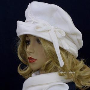 PILLE-szett / fehér polár-kalap sállal, Ruha & Divat, Sál, Sapka, Kendő, Sapka & Sál szett, Puha, meleg, fehér polárból készült béleletlen,  pillekönnyű kalapocska,  anyagából  vágott sálacská..., Meska