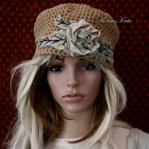 LAURA - horgolt design-kalapka, Táska, Divat & Szépség, Sál, sapka, kesztyű, Ruha, divat, Női ruha, Sapka, Horgolás, Patchwork, foltvarrás, Félujjnyi- vastagságú,, rusztikus, mogyoró-színű gyapjúfonalból merevre horgolt kalapocskám textil-r..., Meska