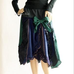SILVINA - patchwork szövet-szoknya, Táska, Divat & Szépség, Női ruha, Ruha, divat, Szoknya, Varrás, Patchwork, foltvarrás, Válogatott kék és zöld gyapjú-szövetekből készült őszi-téli patchwork-szoknya.\n\nEgy bohém ruhatár lá..., Meska