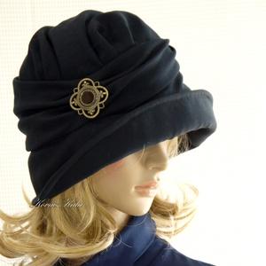 """ERNA cloche - éjkék flapper kalap, Kalap, Sál, Sapka, Kendő, Ruha & Divat, Varrás, Az 1920-as évek flapper divatja köszön vissza \""""ERNA\"""" fantázianevű, rakott-tetejű, harang-szabású, mé..., Meska"""