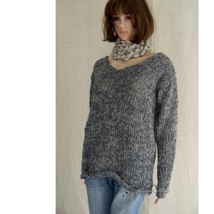MINIMAL - kézzel kötött trendi pulóver (brokat) - Meska.hu