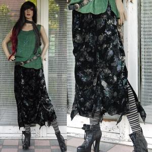 BOHÓ bársonyszoknya, Ruha & Divat, Szoknya, Női ruha, Virágmintás, szép esésű pamutbársonyból készült szabdalt aljú szoknya, kényelmes gumis derékkal, fel..., Meska