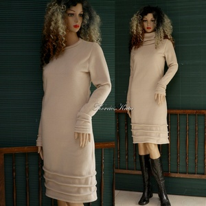NÁDSZÁL - polár pulóverruha, Ruha & Divat, Női ruha, Ruha, Nádszál-karcsú Nőknek ajánlom ezt a bézs színű puha polárból készült, alakot hangsúlyozó pulóverruhá..., Meska