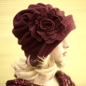 """ERNA cloche/marsala - polár flapper kalap, Táska, Divat & Szépség, Ruha, divat, Női ruha, Sál, sapka, kesztyű, Sapka, Varrás, Az 1920-as évek flapper divatja köszön vissza \""""ERNA\"""" fantázianevű, rakott-tetejű, harang-szabású, mé..., Meska"""