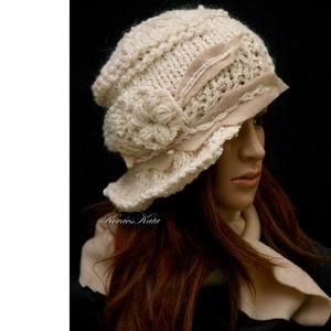 CLOCHE-ART szett - kötött kalap sállal /tört-fehér, Ruha & Divat, Sál, Sapka, Kendő, Sapka & Sál szett, Téli extravagancia: Tört-fehér gyapjú, és buklés vastag fonal-mixből kötött modellem a '20-as évek f..., Meska