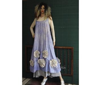 ARTSY SLIP / PITYPANGOS - design kötényruha, Ruha, Női ruha, Ruha & Divat, Varrás, Festett tárgyak, Bohém nőknek!\n\'Felhősen\' kézzel festett pamutvászonból szabott kötényruha hosszanti piékkel, látvány..., Meska