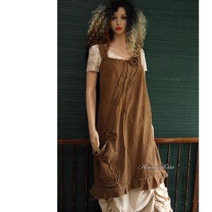ARTSY SLIP / KAKAÓ - design kötényruha, Női ruha, Ruha & Divat, Ruha, Festett tárgyak, Varrás, Puha, bolyhozott felületű, kézzel festett pamutvászonból készült kényelmes kötényruha a réteges öltö..., Meska