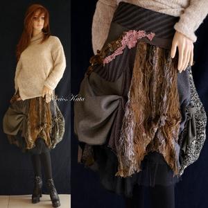 BOSZI-SZOKNYA - artsy patchwork szoknya , Táska, Divat & Szépség, Női ruha, Ruha, divat, Szoknya, Varrás, Egy igazán különleges darab őszre-télre:\nVálogatott, föld-színű gyapjú-szövetekből készült  térd-köz..., Meska