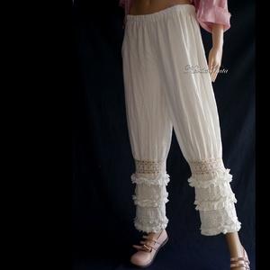 VIKTÓRIA bugyogó - romantikus lagenlook nadrág, Táska, Divat & Szépség, Ruha, divat, Női ruha, Nadrág, Varrás, Fehér 100% lenvászonból terveztem ezt a szuper-romantikus, látványos nadrágom. \nBősége térd alatt ös..., Meska