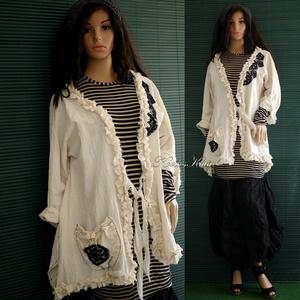 HERMINA kabátka - artsy lagenlook design, Ruha & Divat, Női ruha, Blézer & Kosztüm, Varrás, Foltberakás, Puha, rusztikus nyersvászonból terveztem  ezt a fekete csipke-applikációval díszített \nfodros szegél..., Meska
