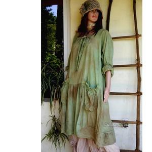 IBI-RUHA - artsy lagenlook flapper ruha / őszi levél, Ruha, Női ruha, Ruha & Divat, Festett tárgyak, Varrás, Fűzöld- barnás foltocskásra kézzel festett, könnyű, nyers pamutvászonból készült flapper-ruha elöl-h..., Meska
