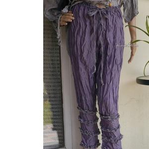 LILÁBAN: négyfodros selyembugyogó, nadrág , Táska, Divat & Szépség, Női ruha, Ruha, divat, Nadrág, Varrás, Lehelet-könnyű, mosással-gyűrt viszkóz-selymekből készült darabjaim nyári ruhatárad kedvencei lehetn..., Meska