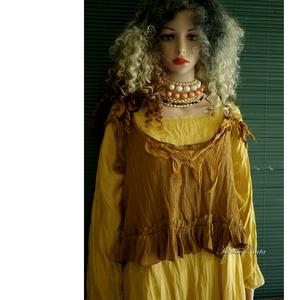 MUSTÁR-MELLÉNYKE  - bohém lagenlook felső, Táska, Divat & Szépség, Ruha, divat, Női ruha, Blúz, Póló, felsőrész, Varrás, A réteges öltözékek látványos része lehet ez a gyűrt viszkóz-selyemből készült romantikus mellényke...., Meska