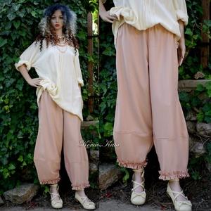 TULIPÁN-NADRÁG - lagenlook design-nadrág , Ruha & Divat, Női ruha, Nadrág, Varrás, Középvastag, nehéz esésű, lazacszín napszövetből terveztem ezt a jól használható nyári modellemet. \n..., Meska