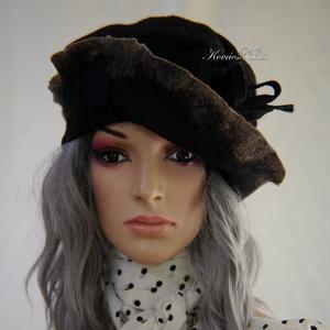 """POLLY - artsy design kalap, Kalap, Sál, Sapka, Kendő, Ruha & Divat, Varrás, Mindenmás, Fekete forrázott- filcből készítettem ezt a romantikus kalapot.\nA széleit színtelenítettem egy \""""glór..., Meska"""