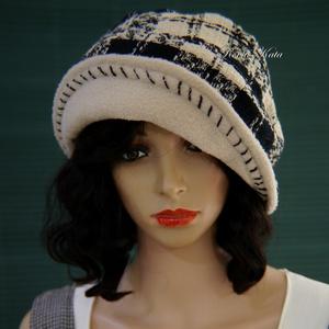 GABY - chanel-szövet design kalap, Kalap, Sál, Sapka, Kendő, Ruha & Divat, Varrás, Lazán szőtt kockás Chanel gyapjú-szövetből terveztem ezt a látványos és kényelmes  kalapom.\nPuha béz..., Meska