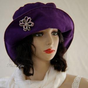 BORÓKA - kordbársony design kalap / ibolya, Táska, Divat & Szépség, Ruha, divat, Női ruha, Sál, sapka, kesztyű, Sapka, Varrás, Klasszikus vonalú, felhajtós-karimájú ibolya-lila kordbársony-kalap. \nBélelt, mosható.\n\nA bross csak..., Meska