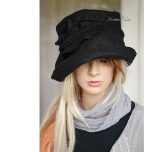 FILC-CLOCHE - design kalap / fekete - Meska.hu