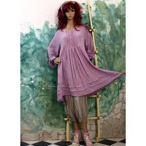 ANA / levendula - romantikus flapper-ruha, Ruha & Divat, Női ruha, Ruha, Festett tárgyak, Varrás, Kényelmesen elegáns ez a kézzel-festett vastagabb gézből készült ruhám.\nA réteges öltözködés darabja..., Meska