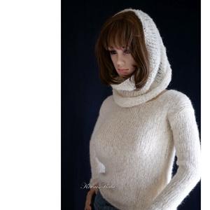 ALPAKA / JULY - exkluzív kézzel kötött pulóver kámzsával / tört-fehér, Ruha & Divat, Női ruha, Pulóver & Kardigán, Kötés, Meska