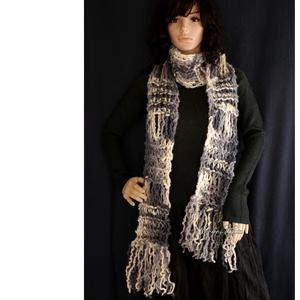 FRINGE SHAWL - extra-vastag kézzel kötött hosszú-rojtos sál / szürke batik (brokat) - Meska.hu