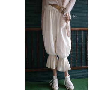 """GIZI-NACI - lagenlook bugyogó,  géz nadrág, Ruha & Divat, Női ruha, Nadrág, Varrás, \""""Szaloncukor\""""-aljú, csipkés-szélű, egyszerű szabású romantikus nadrágom vastag, rusztikus natúr géze..., Meska"""