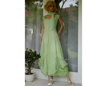 STEFÁNIA - romantikus design ruha mull-kendővel / borsózöld, Ruha & Divat, Női ruha, Ruha, Festett tárgyak, Varrás, Könnyű pamutvászonból készült, kézzel borsózöldre festett, gombolós elejű hosszú-ruha alján tulipáno..., Meska