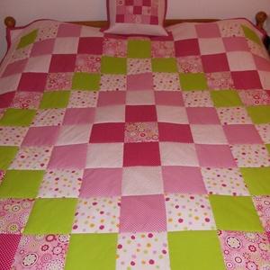 Patchwork takaró és párna - vidám tavaszi színekkel, Baba-mama-gyerek, Gyerekszoba, Falvédő, takaró, Patchwork, foltvarrás, Varrás, Egyedi készítésű patchwork takaró és párna. Pamut anyagból, vidám színekkel.  Takaró mérete: 175x20..., Meska