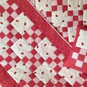 Patchwork szett - katica mintával, piros-fehér pöttyös - Meska.hu