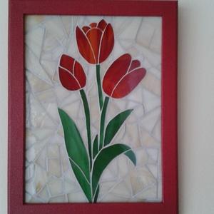 Tulipán mozaik falikép, Dekoráció, Otthon & lakás, Kép, Lakberendezés, Falikép, Mozaik, 18x24 cm-es üveglapra mozaik technikával ragasztott, színes spectrum üveg. A képkeretet a virághoz h..., Meska