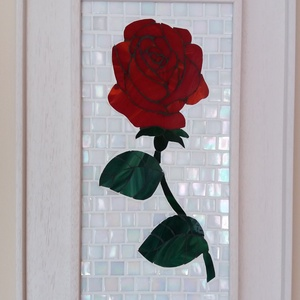 Mozaik rózsa falikép, Dekoráció, Otthon & lakás, Kép, Lakberendezés, Falikép, Mozaik, A kép mozaiktechnikával készült. A rózsa spectrum üvegből, a háttér pedig szivárványos üvegmozaikból..., Meska