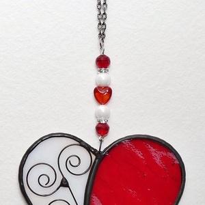 Piros Tiffany szív Anyák napjára, Otthon & Lakás, Dekoráció, Ablakdísz, Üvegművészet, Tiffany technikával készített üveg szív. \nFehér színű irrizáló üvegből és piros színű üvegből készül..., Meska