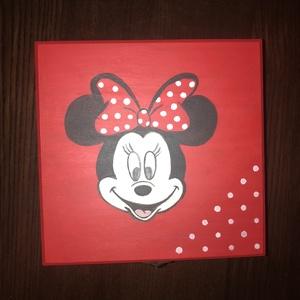Minnie egeres fa doboz, Otthon & lakás, Lakberendezés, Tárolóeszköz, Doboz, Festett tárgyak, A natúr dobozt először alapoztam, majd akrillal festettem. A belseje halvány testszínt kapott, mint ..., Meska
